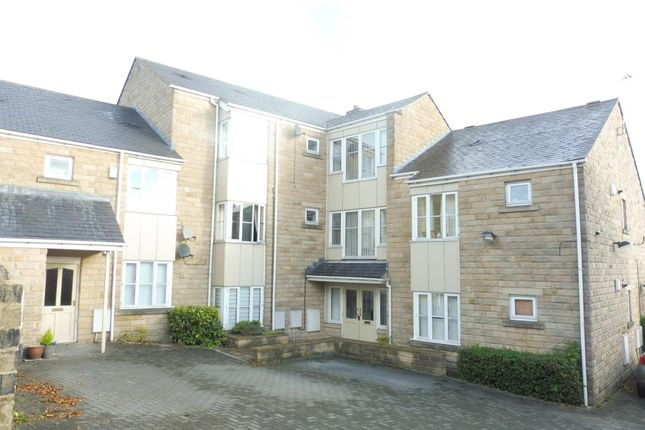 Flat to rent in Millennium Court, Pudsey