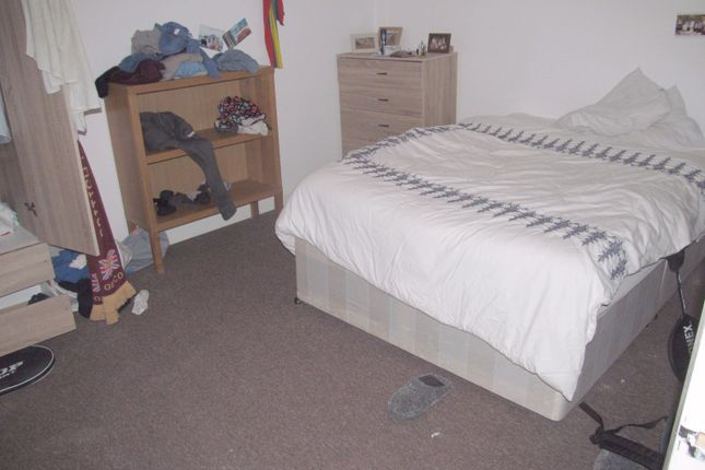 Thumbnail Flat to rent in Carnarvon Road, Reading