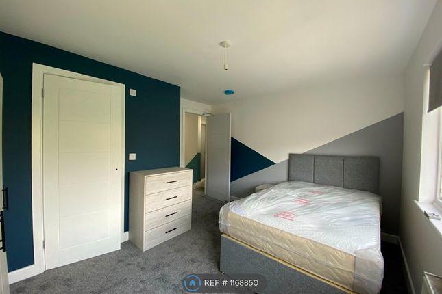 Room to rent in Old Gardens, Cheshunt, Waltham Cross EN8