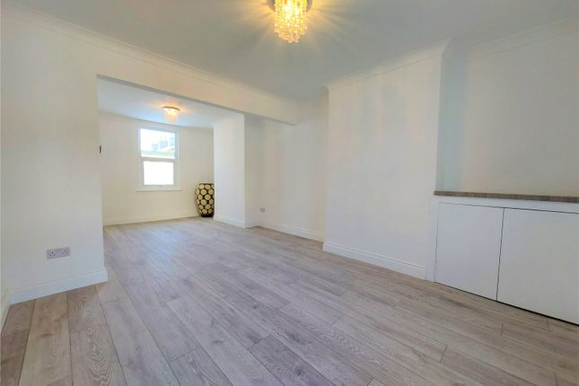 Thumbnail 3 bed terraced house to rent in Wrotham Road, Gravesend