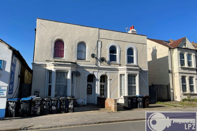 2 bed flat to rent in Kidderminster Road, Croydon CR0