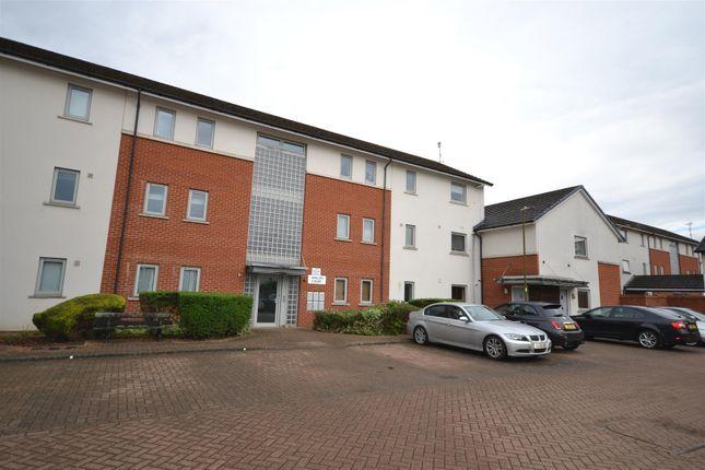 Thumbnail Flat to rent in Hartswood Close, Bushey