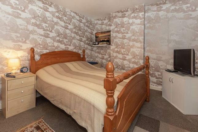 Bedroom of Cliff View Terrace, Camborne TR14