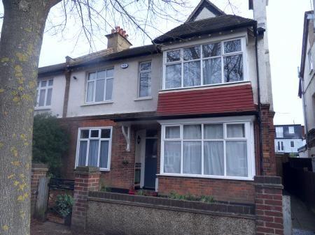 Flat to rent in Queens Road, Beckenham