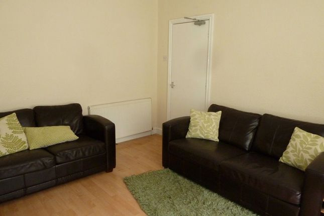 Thumbnail Property to rent in Beverley Road, Hull