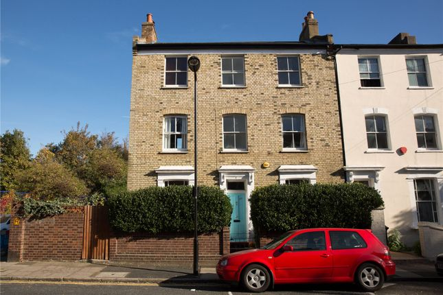 5 bed end terrace house for sale in Horton Road, London