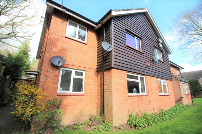 Thumbnail Flat for sale in Canonsfield Road, Welwyn