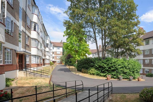 Flat for sale in Edge Hill Court, Wimbledon, Wimbledon