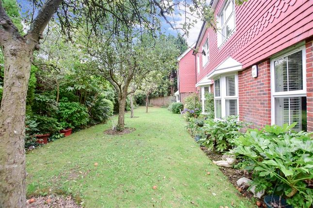 Communal Gardens of Linfield Lane, Ashington, West Sussex RH20