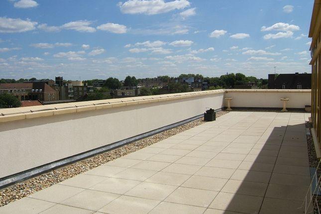 3 bed flat to rent in Carronade Court, Eden Grove, London