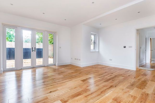 Photo 8 of 158 Foxley Lane, Purley CR8