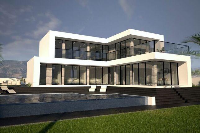 4 bed villa for sale in Valle Romano, Malaga, Spain