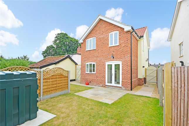 Thumbnail Detached house for sale in Common Road, Hopton, Diss