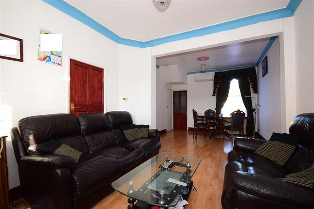 Thumbnail Terraced house for sale in New City Road, Plaistow, London