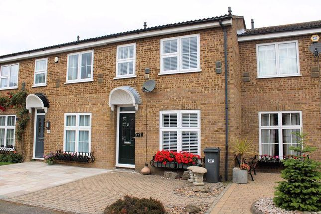 Thumbnail End terrace house to rent in Ruscombe Way, Feltham