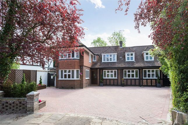 Thumbnail Detached house for sale in Cavendish Drive, Edgware, Middlesex