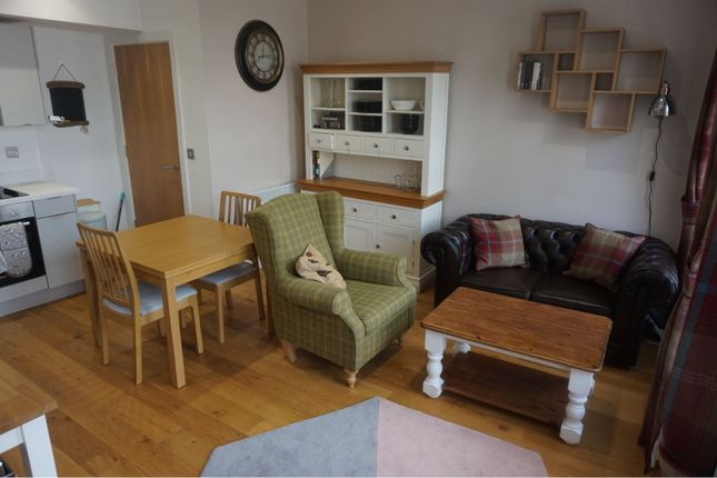 2 bed flat to rent in 1A The Causeway, Altrincham WA14