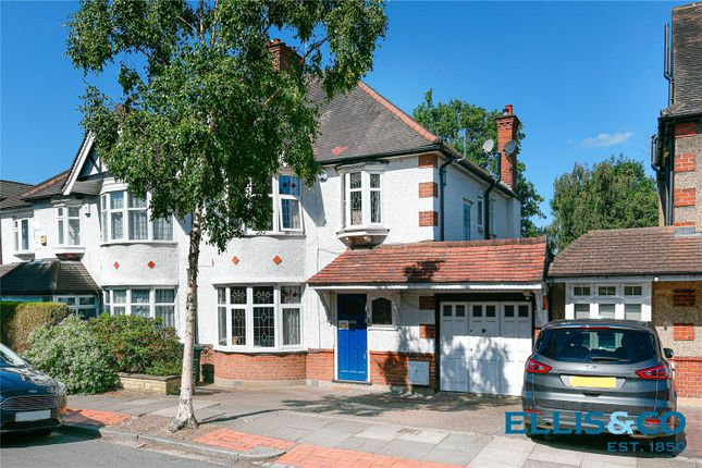 Picture No. 26 of Lyndhurst Gardens, Finchley N3