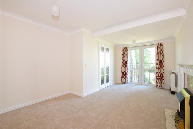 Lounge of Mill Road, Worthing, West Sussex BN11