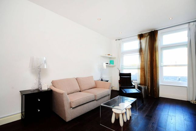 Thumbnail Flat to rent in Grays Inn Road, Bloomsbury