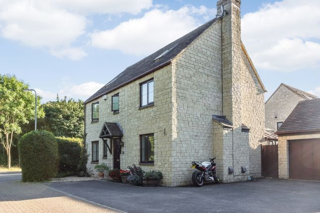 Thumbnail Detached house for sale in Valence Crescent, Witney, Oxfordshire