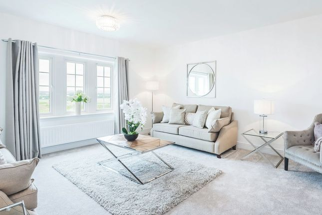Thumbnail Detached house for sale in Kings View Crescent, Ratho