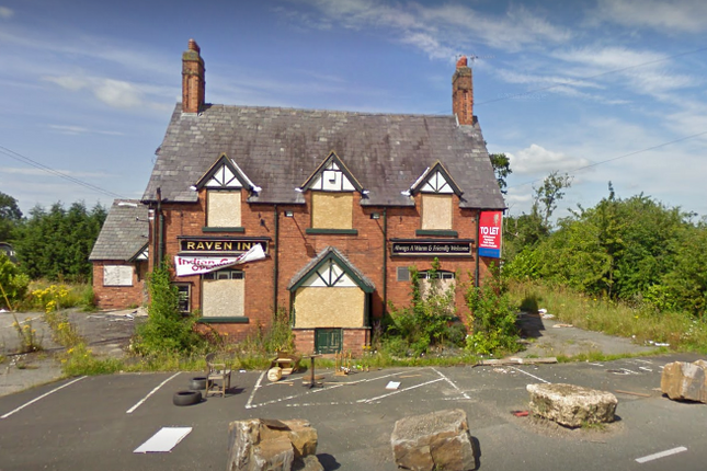 Thumbnail Hotel/guest house to let in Swanlow Lane, Winsford