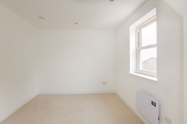Picture No. 05 of Apartment Seven, Bow Garrett Brinksway, Stockport, Cheshire SK3