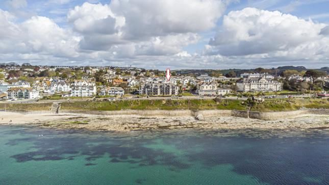 Thumbnail Flat for sale in Cliff Road, Falmouth, Cornwall