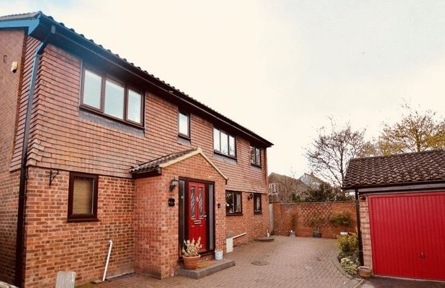 Thumbnail Detached house for sale in Paines Orchard, Cheddington, Leighton Buzzard