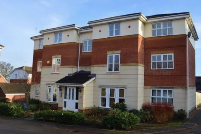 2 bed flat for sale in The Links, Holbeck, Leeds LS11