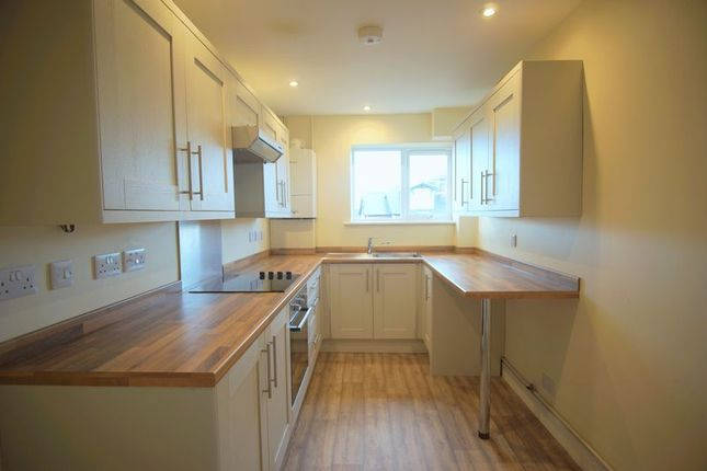 2 bed flat to rent in The Firs, Heathville Road, Gloucester