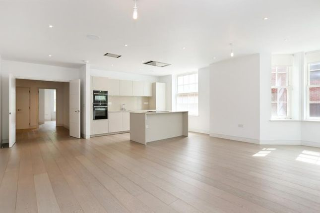 Thumbnail Flat to rent in Heath Drive, Hampstead