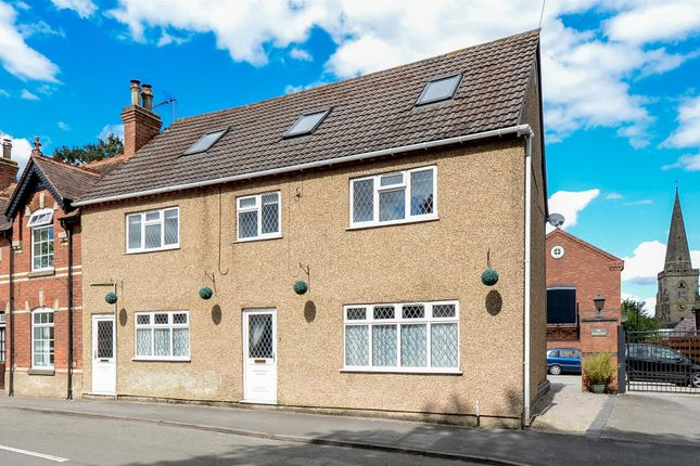 3 bed flat for sale in Station Road, Stoke Golding, Nuneaton