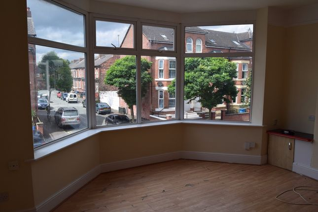 3 bed flat to rent in Lansdowne Road, Cheetham Hill, Manchester
