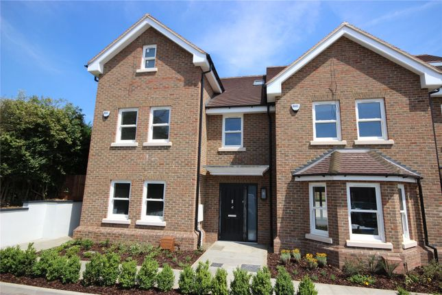 Thumbnail End terrace house for sale in The Harrow, Luton Road, Harpenden, Herts
