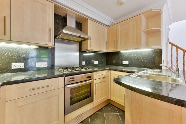 Thumbnail Property to rent in Pegasus Court, Shaftesbury Road, London