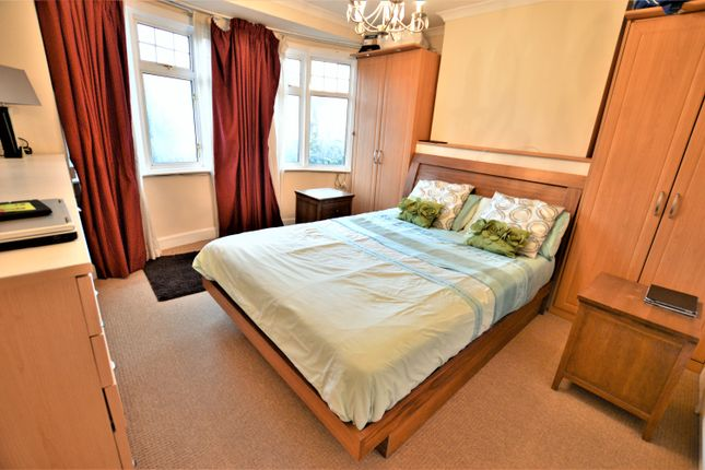 Thumbnail Detached house to rent in St Bernards Road, Slough, Berkshire