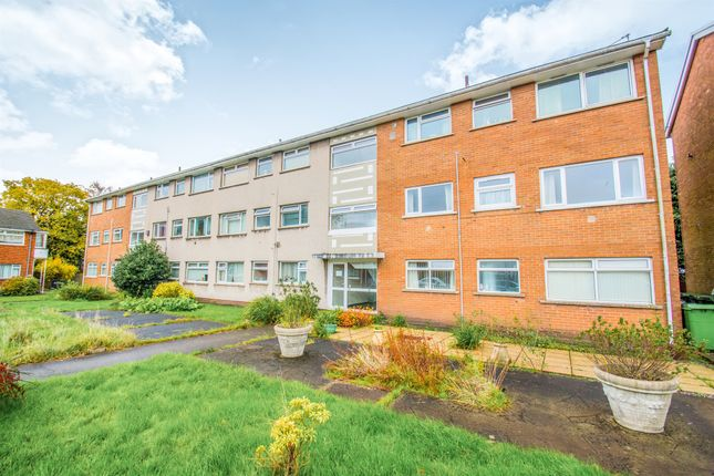 Thumbnail Flat for sale in Clos Hendre, Cardiff