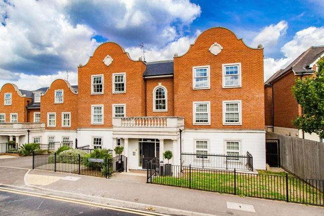 Thumbnail Flat for sale in Regency Apartments, Manor Road, Chigwell