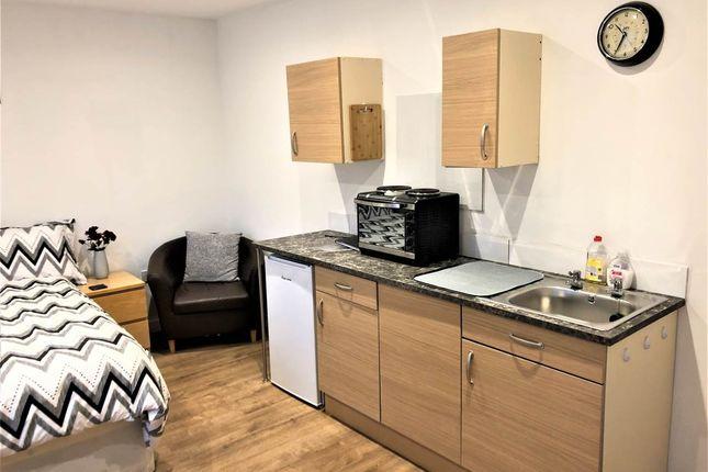 Kitchen 2 of London Road, Warmley, Bristol BS30