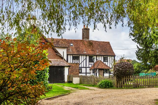 Thumbnail Cottage for sale in Godstone Road, Lingfield, Surrey