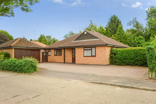 Thumbnail Bungalow for sale in Oakside Close, Evington, Leicester