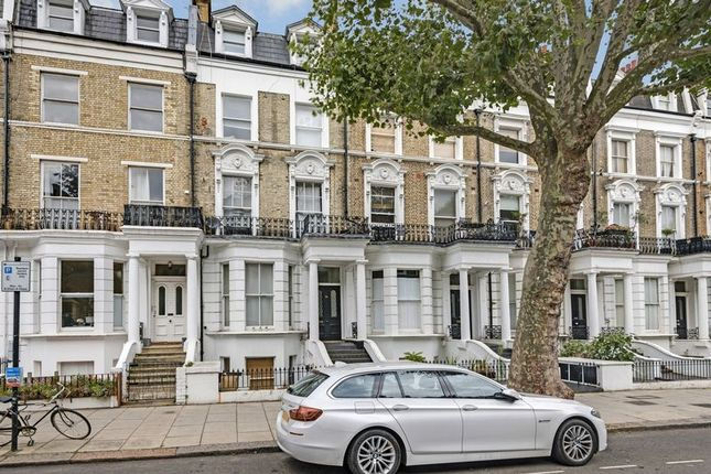 2 bed flat for sale in Sutherland Avenue, London