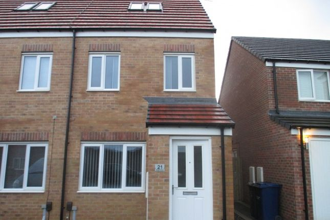 Thumbnail Town house to rent in Woolf Drive, Biddick Green, South Shields