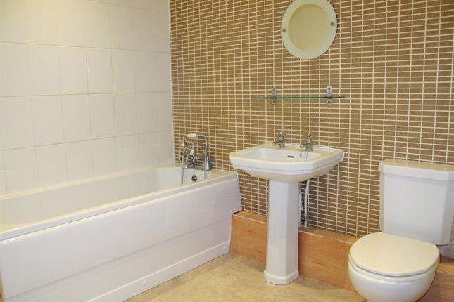 Bathroom of Cambridge Square, Linthorpe, Middlesbrough TS5