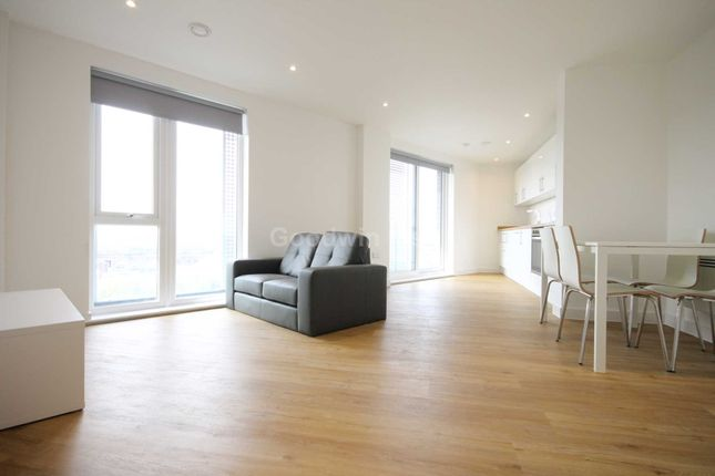 3 bed flat to rent in The Plaza, 1 Every Street, New Inslington M4