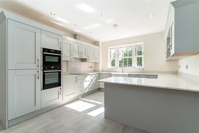 3 bed detached house for sale in Park Drive, Bramley, Guildford, Surrey GU5