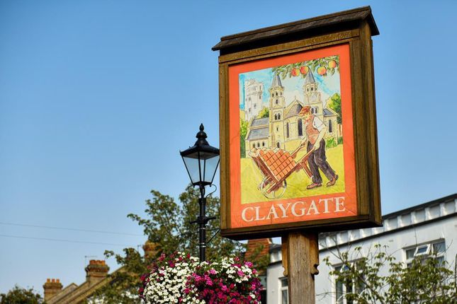 Claygate of Hare Lane, Claygate, Esher KT10