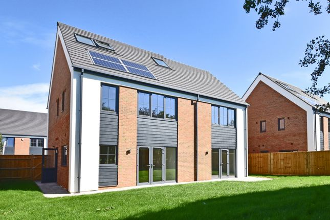 Thumbnail Detached house for sale in Maple Gardens, Milton, Abingdon